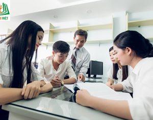 Giải đáp về trung tâm gia sư không thu phí và mất phí khi nhận lớp