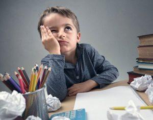 Làm sao giải quyết vấn đề học sinh lười làm bài tập về nhà?