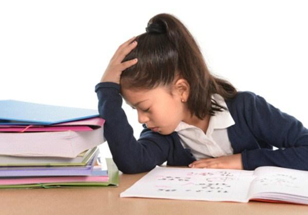 Minh chứng về sự phản tác dụng khi phụ huynh quá kì vọng con cái học