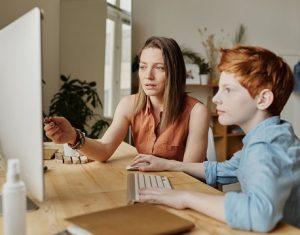 Thay vì ép con học quá nhiều, đây là 4 điều cha mẹ nên làm