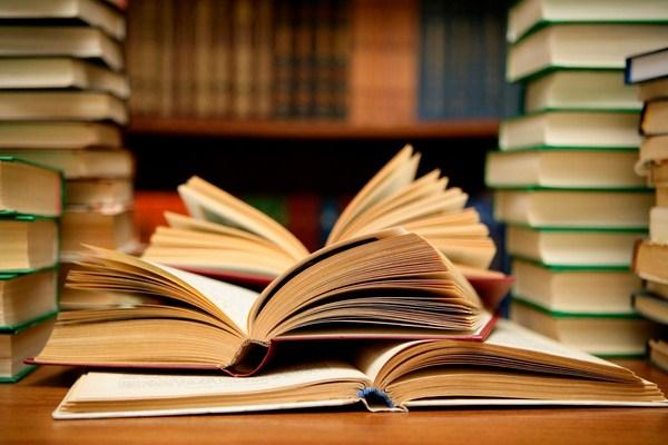 Sách là nguồn kiến thức vô tận