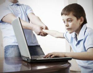 Tác động tích cực, tiêu cực của internet đến học tập của con bạn