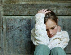 Giải pháp nào cho bố mẹ khi con trẻ có biểu hiện trầm cảm?