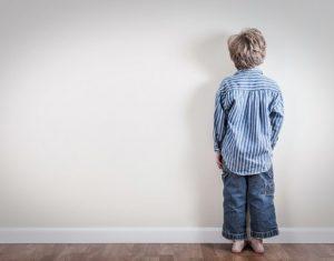 Áp dụng kỉ luật không nước mắt với con ra sao cho hiệu quả?