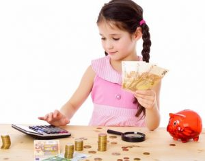 Cha mẹ tạo điều kiện về tài chính cho con như thế nào là hợp lý?