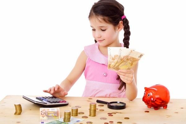 Mặt có lợi của việc nuông chiều con về mặt tài chính